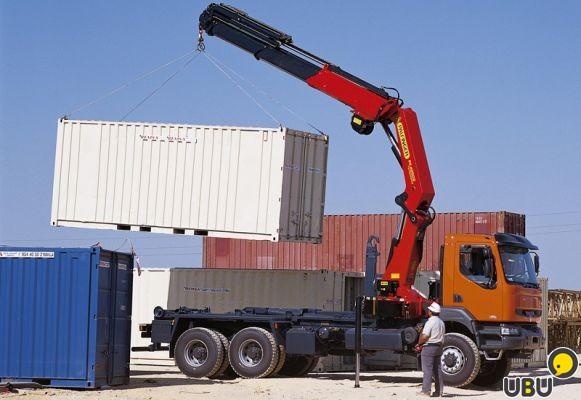 Перевозка контейнера 20 футов манипулятором